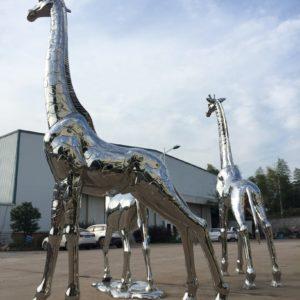 Luxury-shiny-metal-giraffes-camel-animal-windowdisplay